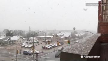 Thick snow falls down on Tucson, Arizona