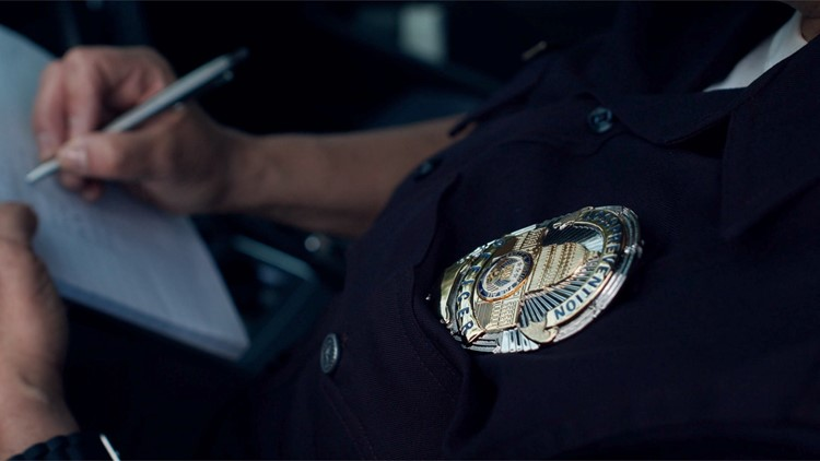 Why Police Officers Tap the Back of Your Car as They Approach Your Window Sometimes