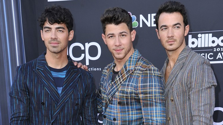Jonas Brothers at 2019 Billboard Music Awards - Arrivals