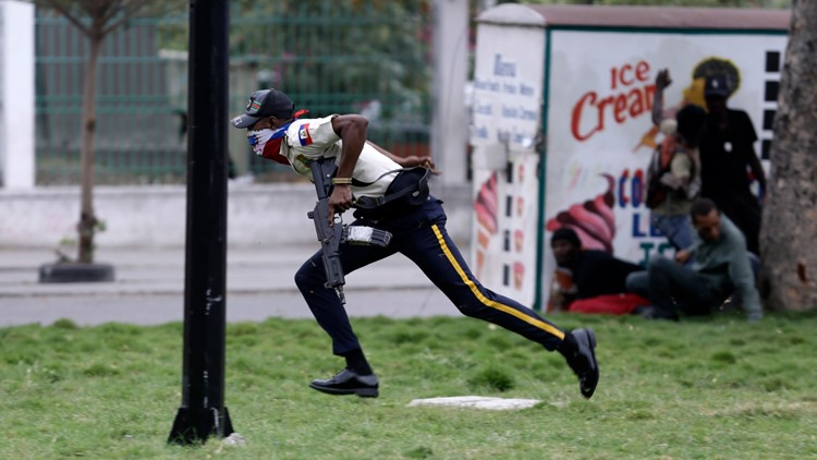 Police in Haiti exchange gunfire with troops near national palace