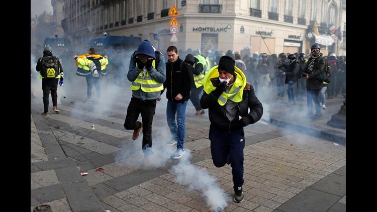 Ap France Protests I Fra