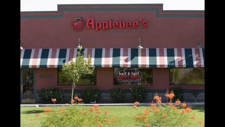 137527 biz-restaurants0808 Applebee's Exterior