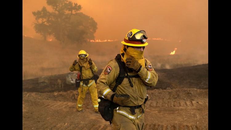 AP APTOPIX CALIFORNIA WILDFIRES A WEA USA CA