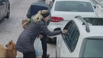 'It was so rewarding': Oregon couple commended for giving food to drivers stuck in traffic