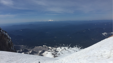 'We could hear her crying': Woman rescued by other climbers on Mount Hood