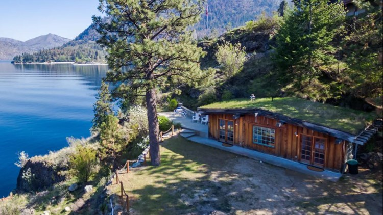 PNW cabin getaways are a perfectly pandemic-proof vacation option