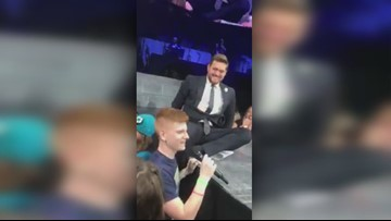 Washington teen belts out surprise performance at Michael Buble's Tacoma Dome concert