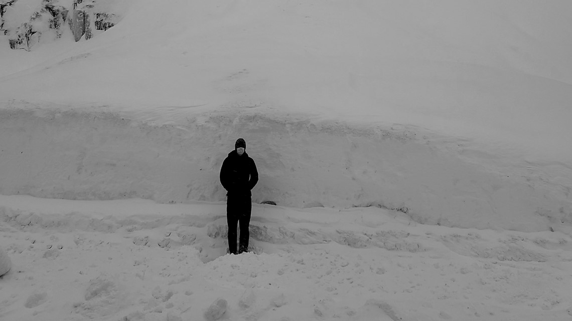 Snoqualmie Pass has largest snowpack in a decade, WSDOT says