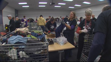 Huskies, Buckeyes share service project before Rose Bowl