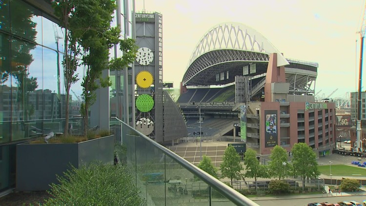 Seahawks to allow full crowds at Lumen Field next season