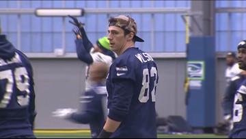 Seahawks re-sign tight end Luke Willson