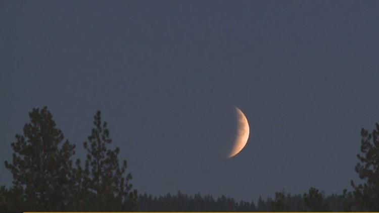 Supermoon lunar eclipse dazzles Spokane star gazers