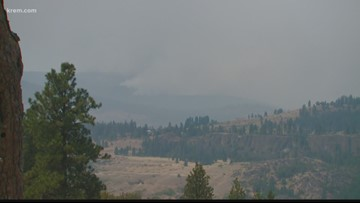 Nearby residents concerned Williams Flats Fire could cross Columbia River