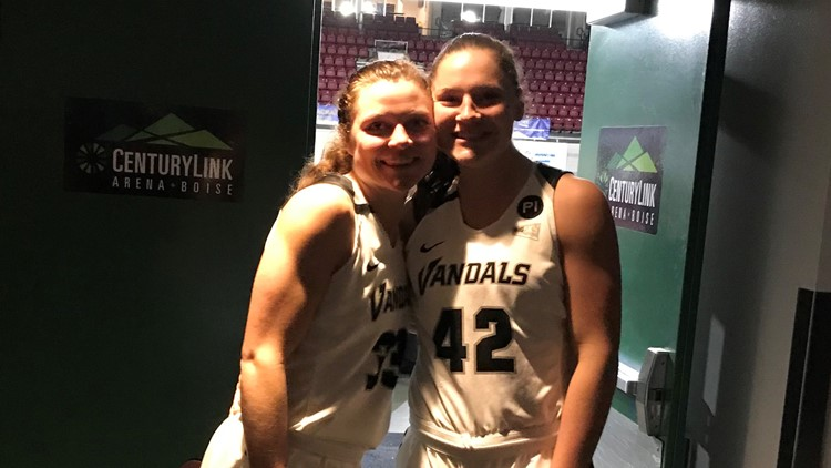 Lizzy and Natalie Klinker