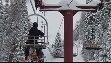 Spokane couple stuck on 49 Degrees North chairlift after power outage