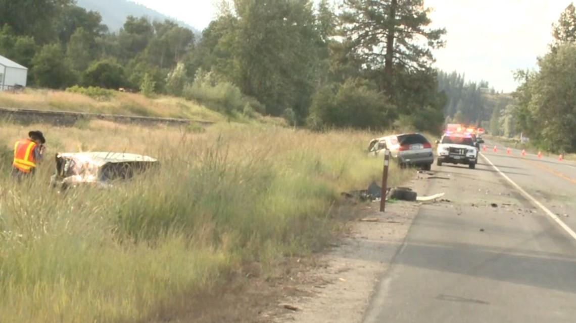 Head-on crash on Hwy 395 kills one, injures three near Colville