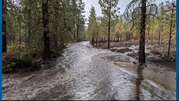 Flash floods hinder crews working to extinguish Williams Flats Fire