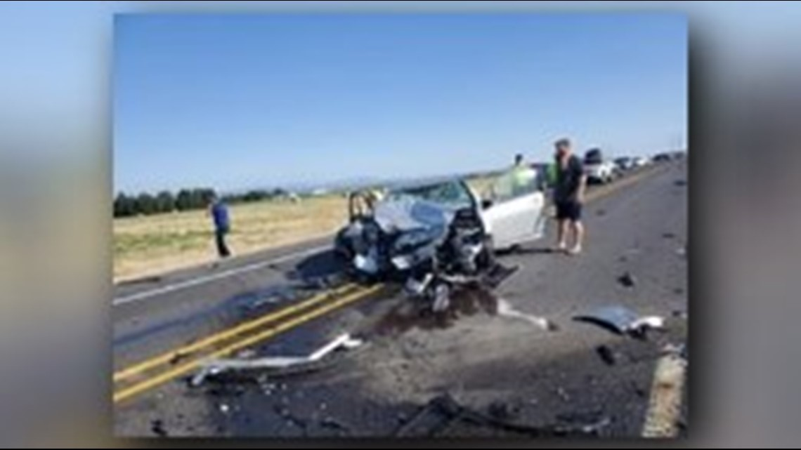 5 people injured in multi-car crash on Hwy 395 near Deer Park | krem com