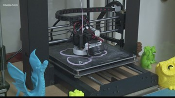 'It's kind of an interesting challenge': Rogers HS senior gets 3D-printed arm from EWU students