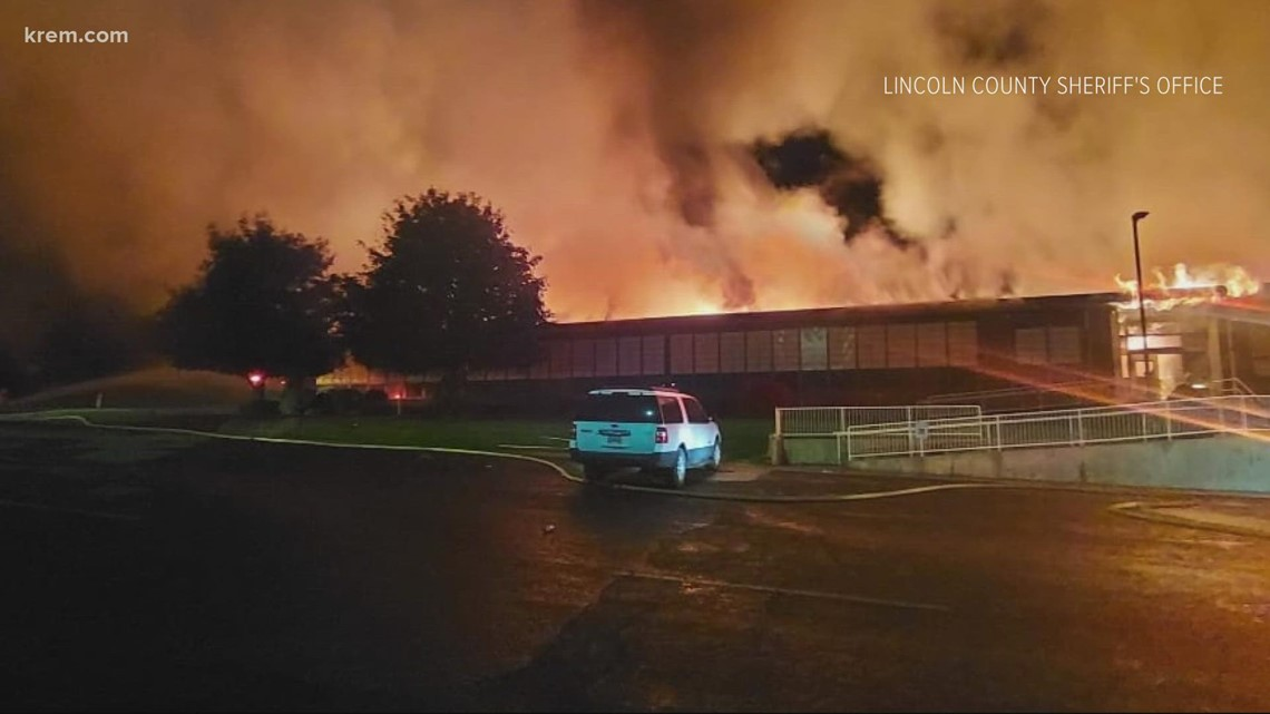 Fire breaks out at middle school near Grand Coulee