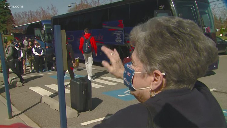 The Zags return home to fans after the NCAA tournament