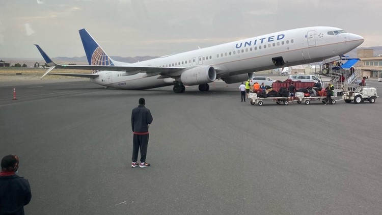 United Airlines plane tips backward while on tarmac in Idaho